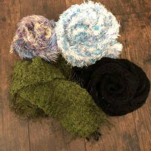 Accessories - Knit scarves